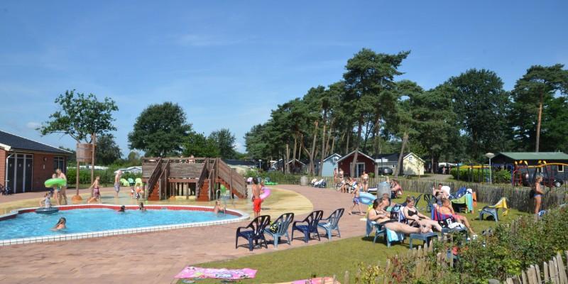 Zwembad (Camping de Molenhof)